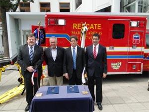 Municipalidad de Ñuñoa entrega ambulancia para el Cuerpo de Bomberos