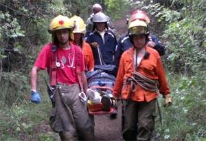 Bomberos Voluntarios rescataron a turista en cerro Campanario
