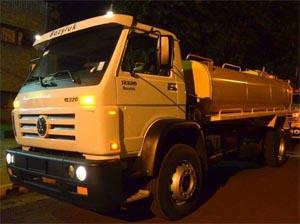 Los Bomberos Voluntarios de Leandro N. Alem recibieron un nuevo camión cisterna