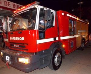 La Asociación de Bomberos Voluntarios de Leones presento la nueva autobomba O Km