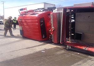 Vuelca maquina de Bomberos en Industrial Río Bravo; tres lesionados