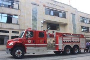 Ibagué cuenta con tres nuevas máquinas de bomberos