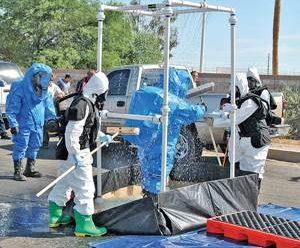 Se intoxican 2 bomberos de Acapulco por fuga de cloro
