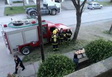 Bomberos de Crespo restituyó un sobre con dinero que no alcanzó a quemarse