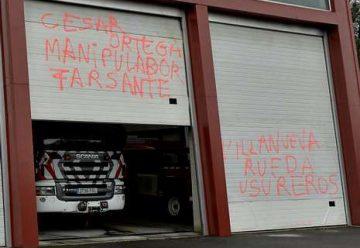 Nuevas pintadas insultantes en los parques de bomberos