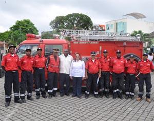 SGR entrega motobomba a Cuerpo de Bomberos de San Lorenzo