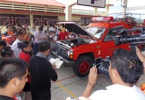 SGR entregó motobomba al Cuerpo de Bomberos de Nangaritza