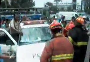 Bomberos y policías se pelearon por traslado de heridos