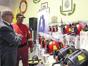 San Borja dona equipos de emergencia a los Bomberos
