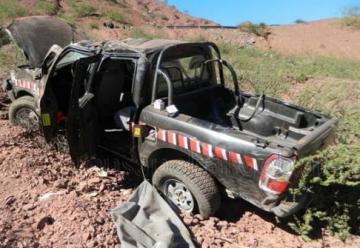 Un Bombero de Cafayate muere al caer una unidad de un barranco