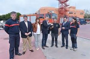 Málaga entrega dos vehículos a Bomberos Sin Fronteras