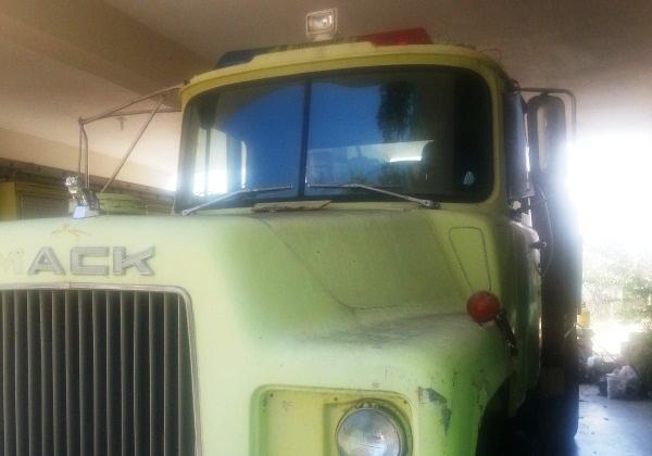 Bomberos de San Pedro de Macorís recibió un camión bomba y varios equipos de trabajo