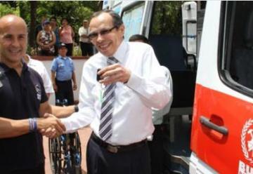 Bomberos Unidos sin Fronteras dono una ambulancia a bomberos de Nicaragua