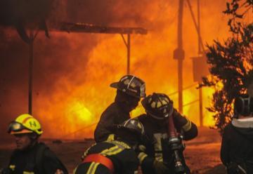 Confirman 11 muertos y mas de 10 mil evacuados