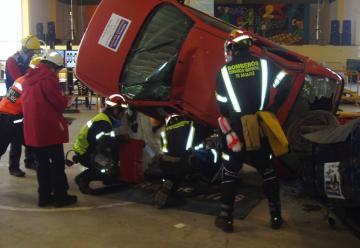 200 bomberos participan en unas jornadas de rescate