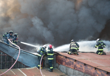 Incendio declarado en taller mecánico