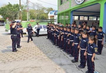 Brigada de bomberos infantiles