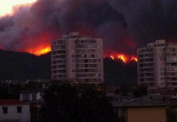 Cerca de 36 Compañías de Bomberos trabajan en Incendio de Valparaiso.