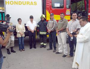 Gobierno dota de equipos y móviles al Cuerpo de Bomberos de Copán