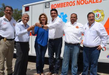 Entrega HRP ambulancia a Bomberos de Manríquez