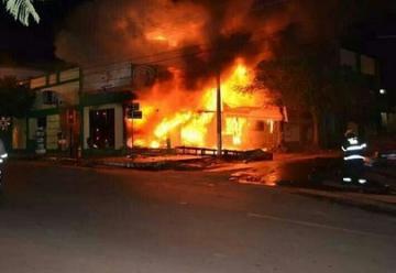Incendio consume cooperativa en San Ignacio