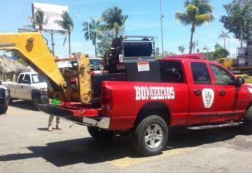 Dotan a bomberos de Oaxaca con equipos nuevos