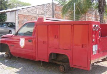 Bomberos de Villa de Álvarez reclaman al Ayuntamiento deuda de un millón