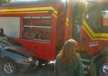 Camioneta impacta a un carro de Bomberos en Puerto Montt