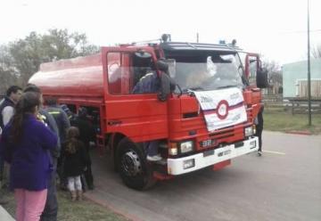 Bomberos de Gonzalez Moreno adquirio un camion cisterna