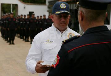 Otorgan reconocimiento a bomberos forestales venezolanos