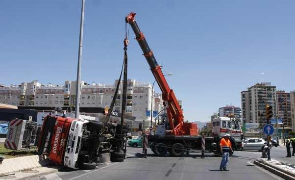 Bomberos de Málaga funcionan sin vehículos autoescala