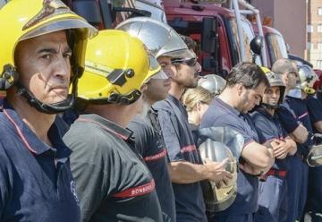 La Junta quiere sustituir a bomberos profesionales por voluntarios en la provincia de Ávila