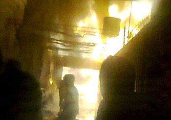 Un incendio arrasó por completo una carpintería en General Alvear