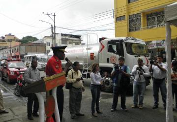 Cuerpo de Bomberos de Esmeralda recibe una autobomba