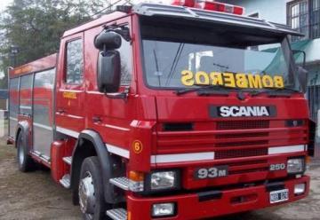 Los bomberos voluntarios de Bowen tienen nueva autobomba