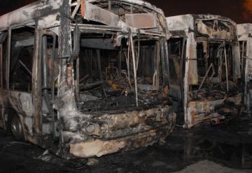 Gran Incendio en terminal de colectivos en La Matanza