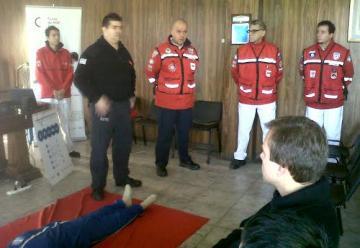 Bomberos y unidades médicas realizan capacitación en rescate de altura