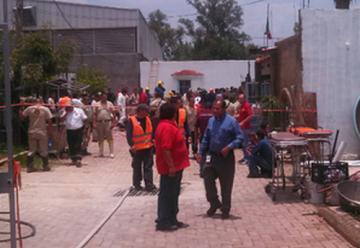 Mueren dos bomberos y cuatro civiles en pozo de Jalisco
