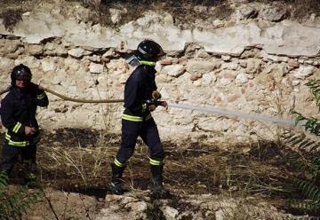 Un bombero intoxicado por humo en la extinción de un incendio