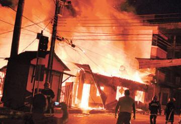 Bomberos bolivianos pidieron ayuda a Brasil en el Incendio en Cobija