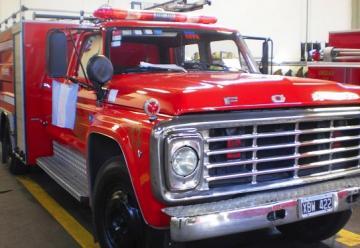 Los bomberos probaron que no pueden entrar con las autobombas al Paseo Rivadavia
