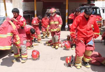 Bomberos requieren nuevos equipos con urgencia