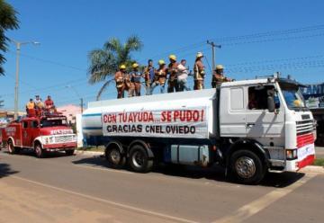 Bomberos Voluntarios reciben camión cisterna