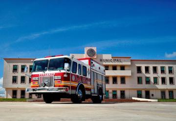 Bomberos de Tulancingo cuentan con nueva unidad especializada para atención de emergencias
