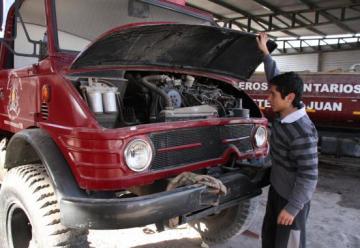 Bomberos voluntarios, en crisis por falta de vehículos