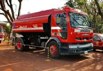 Bomberos Voluntarios de Oberá incorporan nuevo camión cisterna