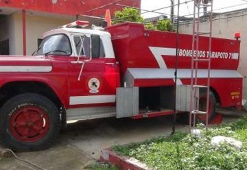 Roban baterías de unidades móviles de bomberos