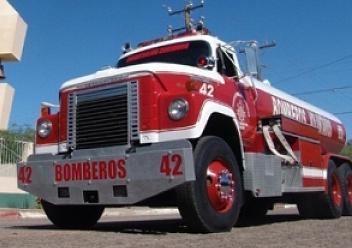 Bomberos Voluntarios de San Luis recibió tres unidades cisternas (pipas)