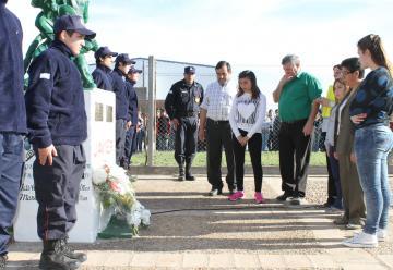 Emotivo homenaje a bomberos que murieron en el incendio de Prodinco