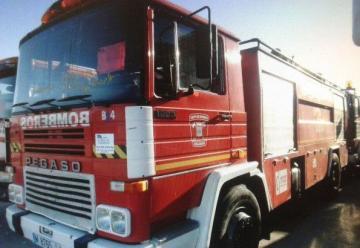 Bomberos piden ayuda para retirar camión